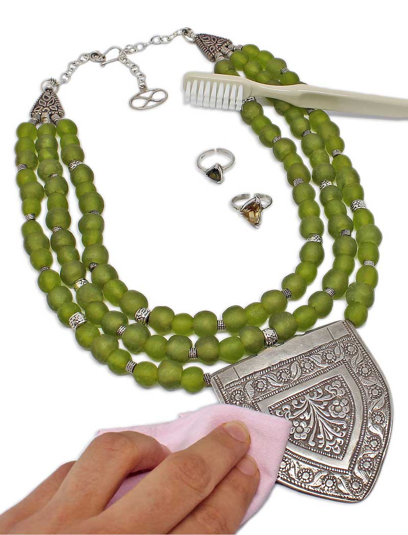 Cleaning your SHIKHAZURI jewellery