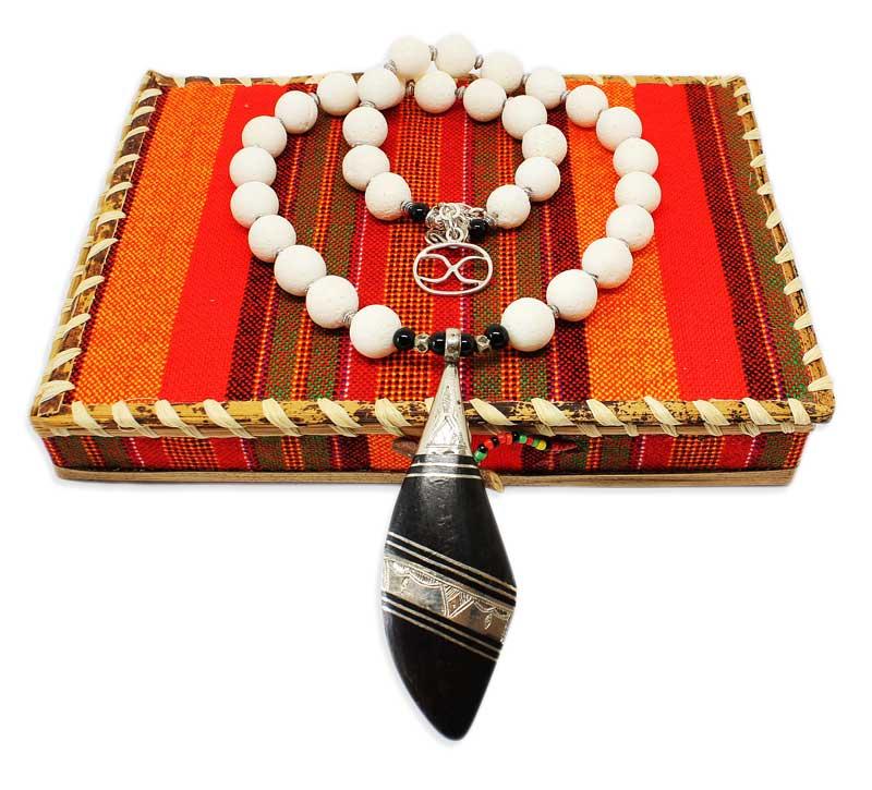 Store jewellery in SHIKHAZURI box