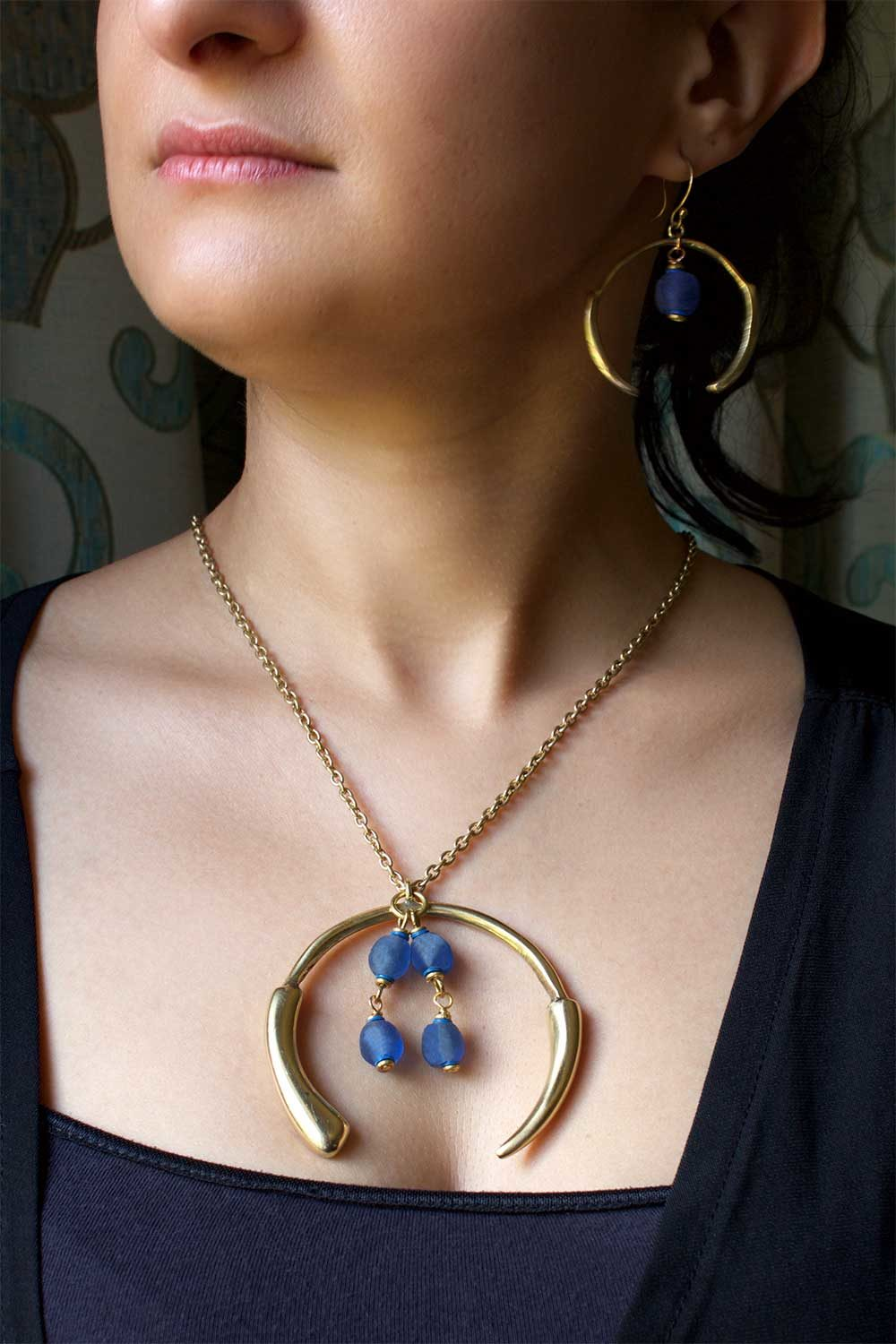 Blue Aza Necklace on Chain model by SHIKHAZURI
