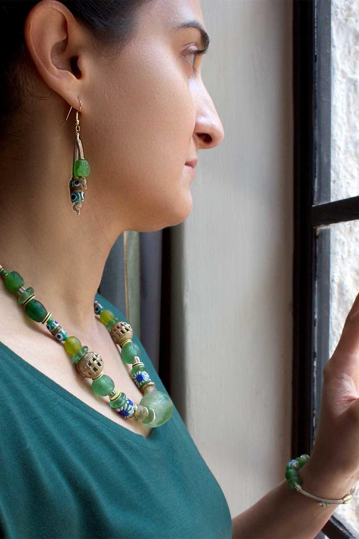 Green Nadira set model by SHIKHAZURI
