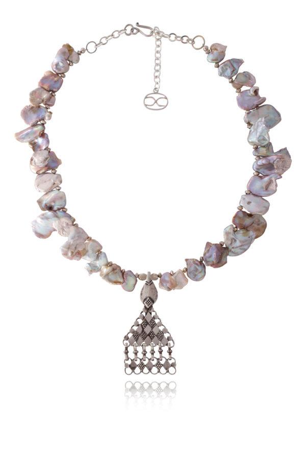 Kiyomi Omani Silver Pearl Necklace by SHIKHAZURI