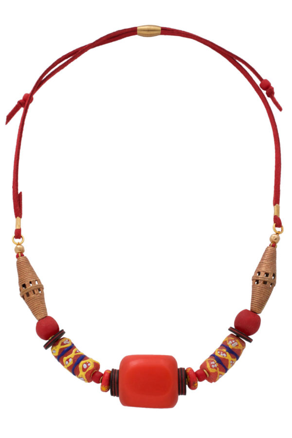 Red Nyekundu Nadira Petite Necklace by SHIKHAZURI